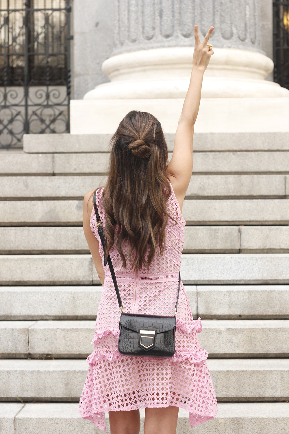Pink dress summer givenchy bag nude heels outfit girl style17