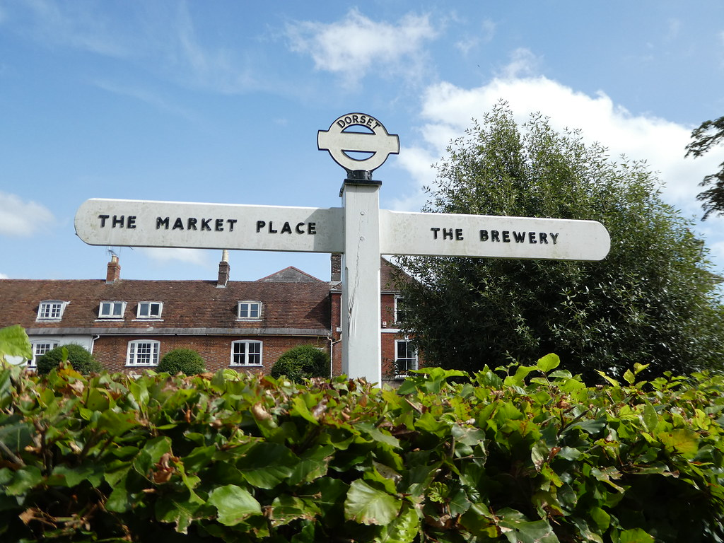Signpost to key places of interest in Blandford Forum