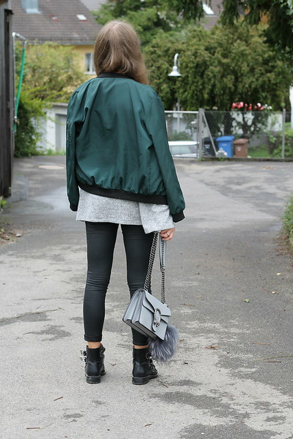bomber-jacket-and-studded-boots-back-wiebkembg