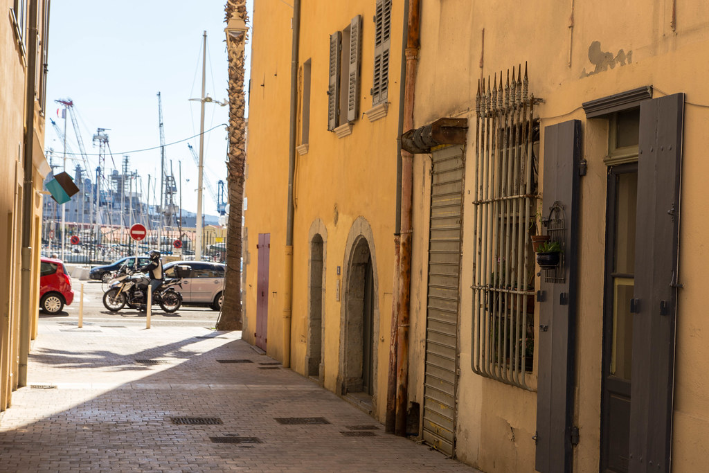 Une Amatrice De Brest Passe Un Week-end Naturiste Et Libertin