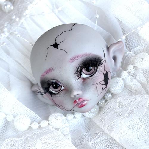 Myséria Broken Doll