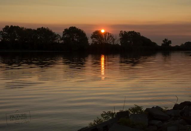 Sunset on the river, Nikon D3200, Sigma 24-70mm F2.8 IF EX DG HSM