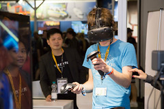 HTC VIVE Virtual Reality Brille im Einsatz