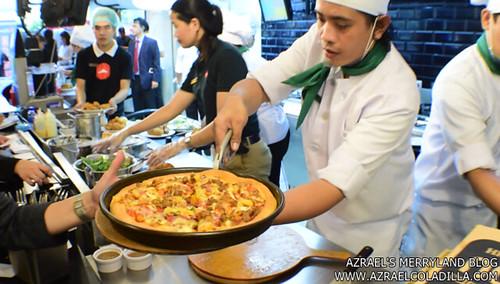 Pizza Hut SM MOA (14)