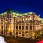 Vienna Opera Lighttrails