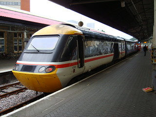 Intercity 125 power car 43185 at Swansea station in Intercity Swallow livery
