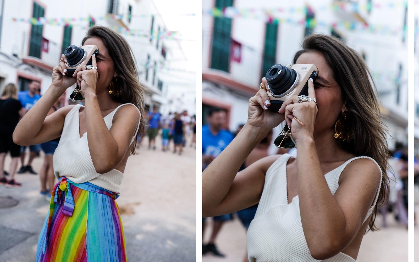 012_falda_arcoiris_top_crudo_look_fiestas_menorca_verano_theguestgirl_fashion_blogger_minorca_summer_laura_santolaria_rayban_sunglasses