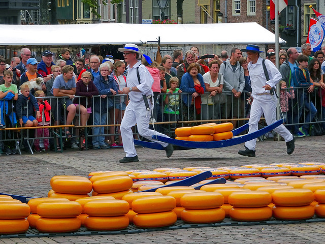 Cheese market Alkmaar. Kaasmarkt, Sony DSC-HX90V, Sony 24-720mm F3.5-6.4