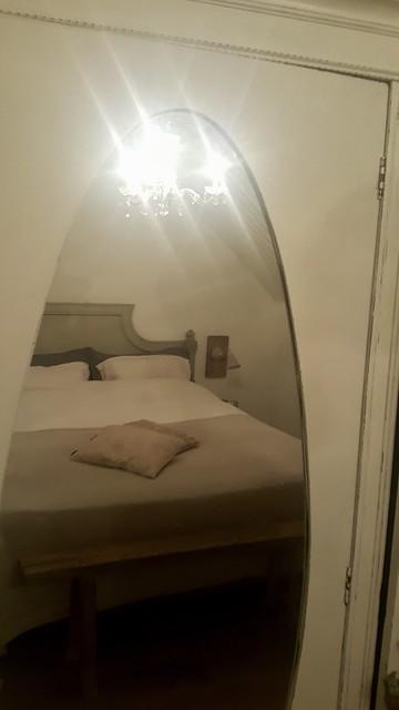 Slaapkamerkast met spiegel