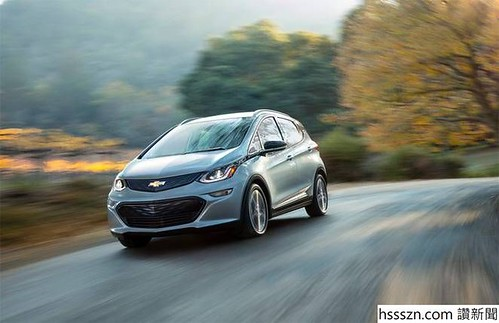 2017-chevrolet-bolt-electric-car-001.jpg.662x0_q70_crop-scale_662_428