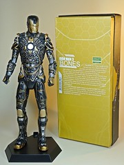 Crazy Toys – Iron Man 3 – Mk XLI Bones – Box Back
