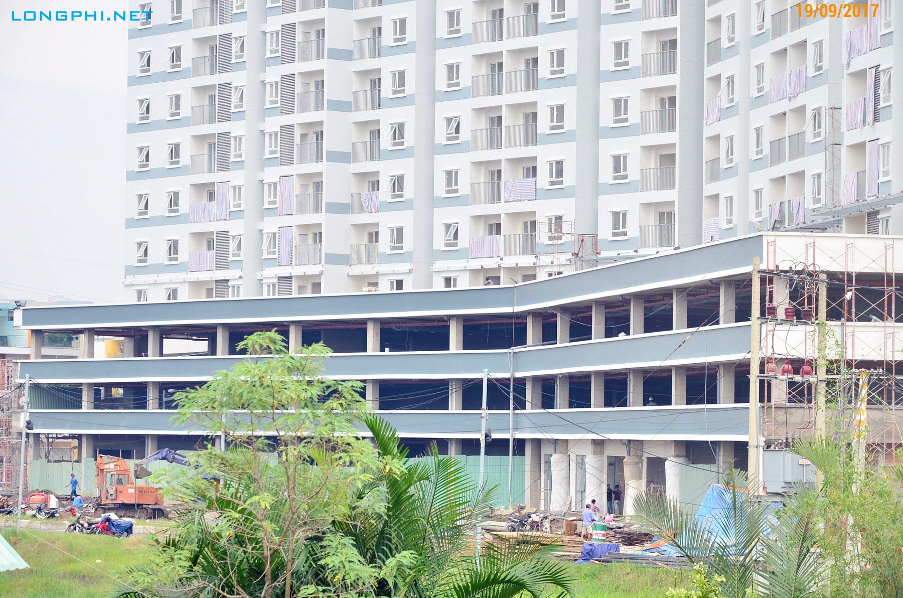 Công tác thi công khối đế thương mại tiện ích và để xe của tháp Nam Jamona Apartment.