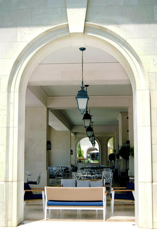 Кафе внутри аркады