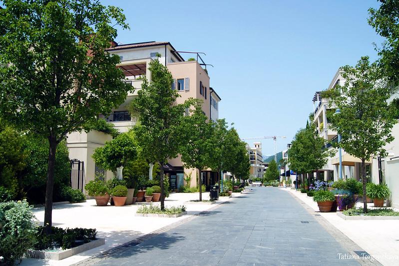 Улица в Порто Монтенегро
