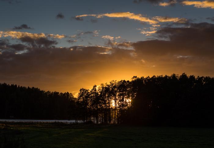 elokuu auringonlasku yötaivas iltarusko maisema (1 of 1)