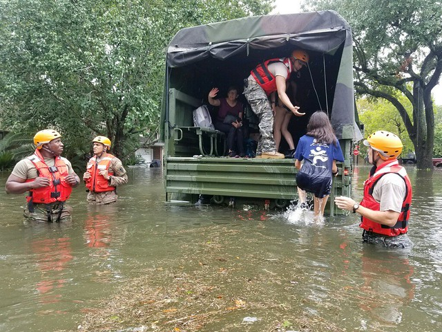 image of hurricane harvey rescue