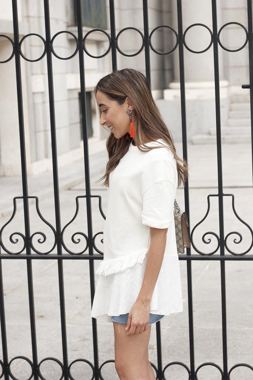 white blouse denim skirt carolina herrera sandals gucci bag summer girl outfit11