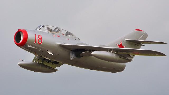 MiG-15 UTI ( SB Lim-2 ) N104CJ Red 18