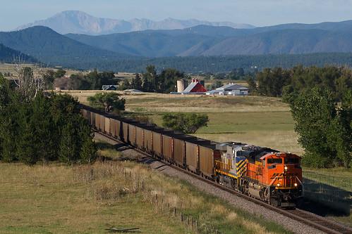 bnsf bnsf9071 emd sd70ace castlerock colorado jointline rampartrange pikespeak train railroad crystalvalleyparkway