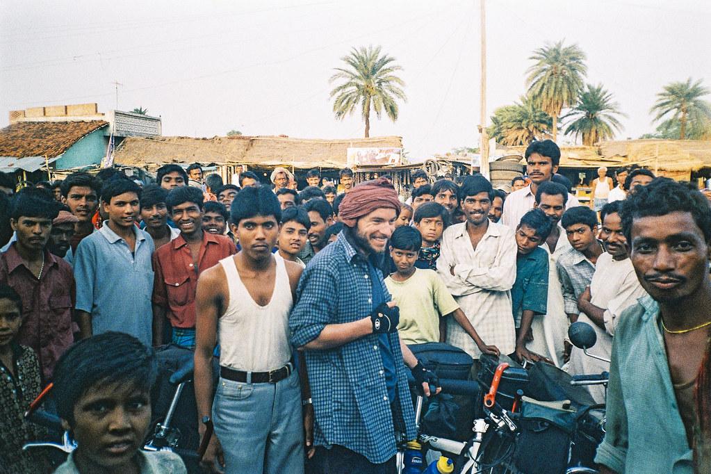 Bain de foule et nuit au poste - Carnet de voyage en Inde