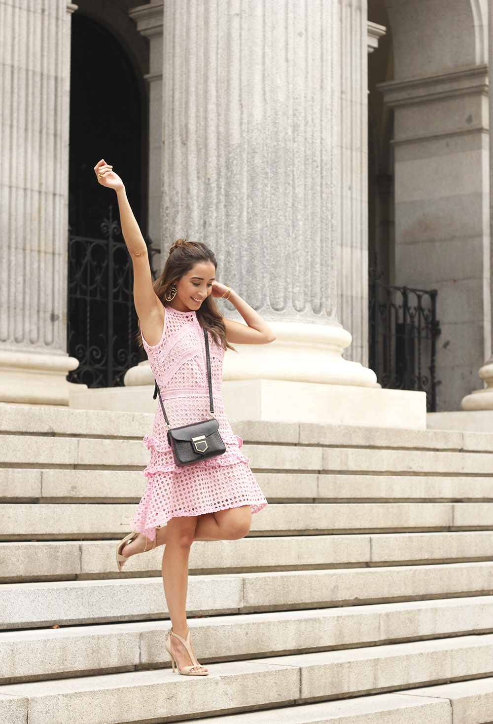 Pink dress summer givenchy bag nude heels outfit girl style01