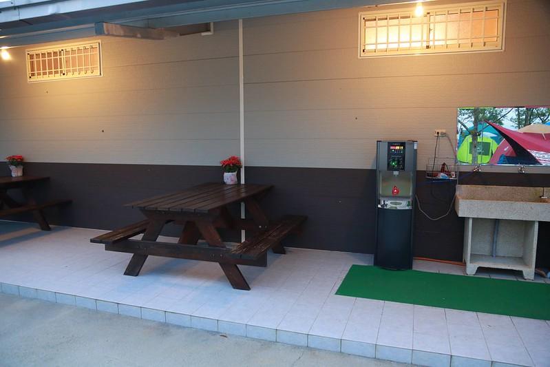 營本部的桌椅