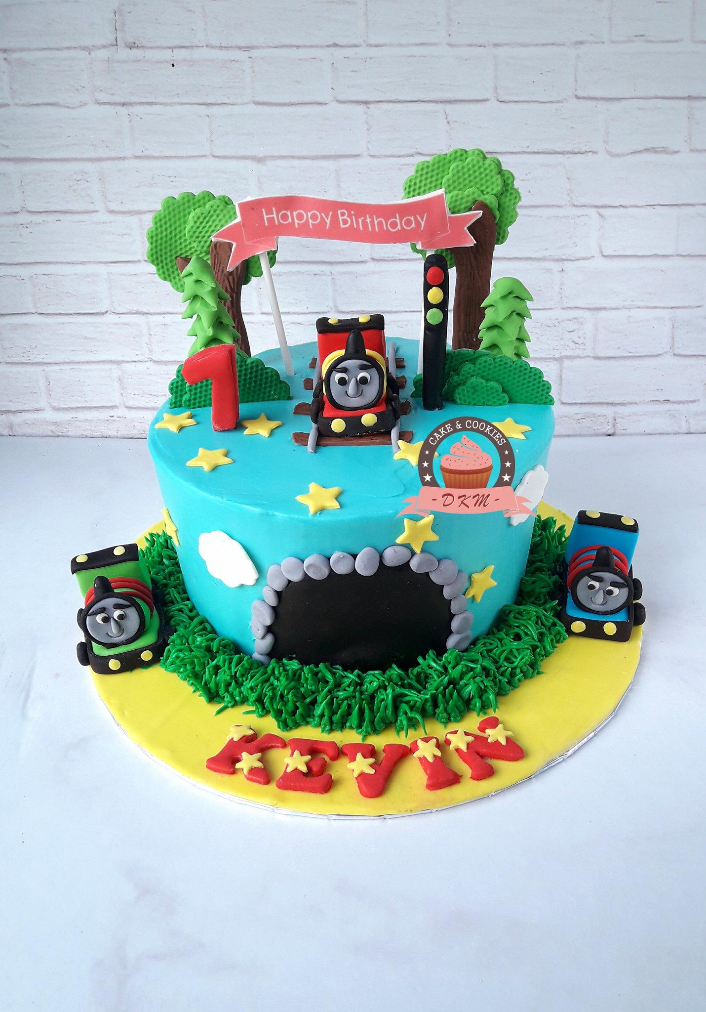 pesan cake jember, pesan kue ulang tahun jember, dkm cakes jember, toko kue jember