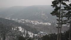 IMG_8526 Blick übern Steinbruch Richtung Helenental, Hotel Sacher und Ruine Rauhenstein, 24.1.2010