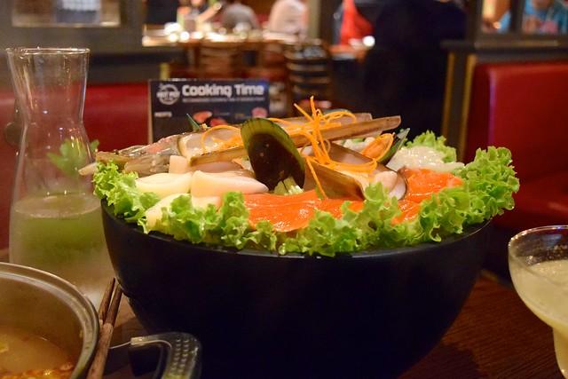 Seafood Platter for two at Hot Pot, Chinatown | www.rachelphipps.com @rachelphipps