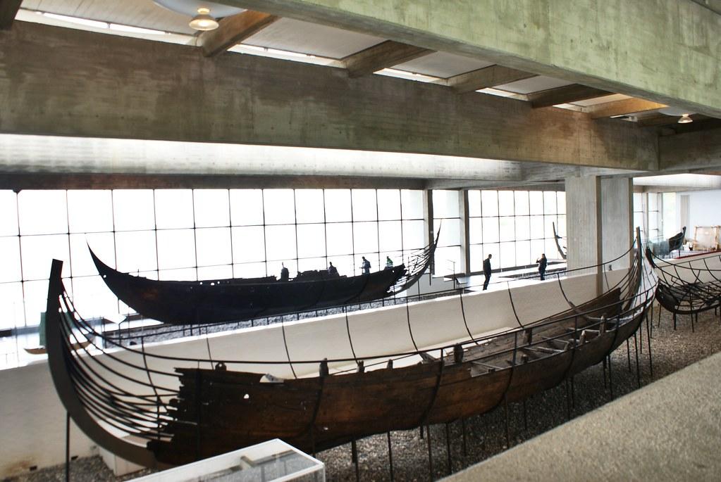 Dans la Halle aux bateaux vikings du musée de Roskilde.