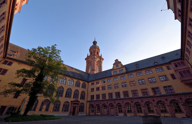 Julius Maximilians Universität