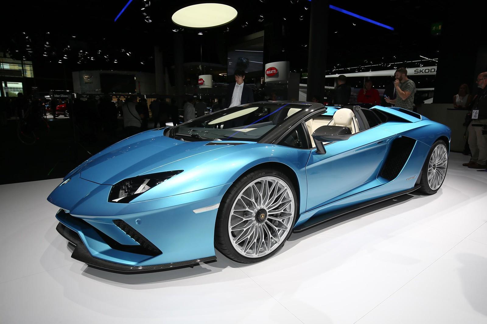 Lamborghini Aventador S Roadster live photos: 2017 Frankfurt Auto Show