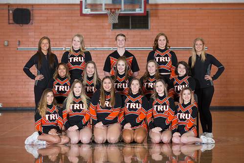 17-18 Competition cheer squad (Snucins)