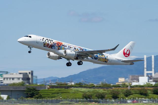 Itami Airport 2017.8.3 (32) JA248J / JAL Minion Jet / J-AIR's ERJ-190