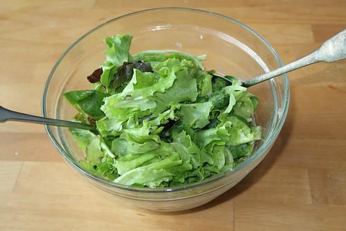 Schüssel mit gemischtem Blattsalat