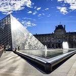 Pyramide du Louvre #explore