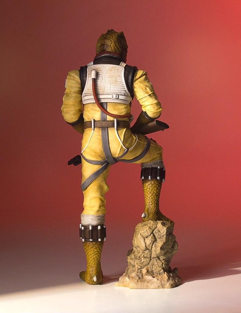 想剝武技族的皮?!找他就沒錯!!Gentle Giant Collector's Gallery 星際大戰【博斯克】Bossk 1/8 比例全身雕像