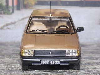 Renault 9 GTL - 1985 - IXO