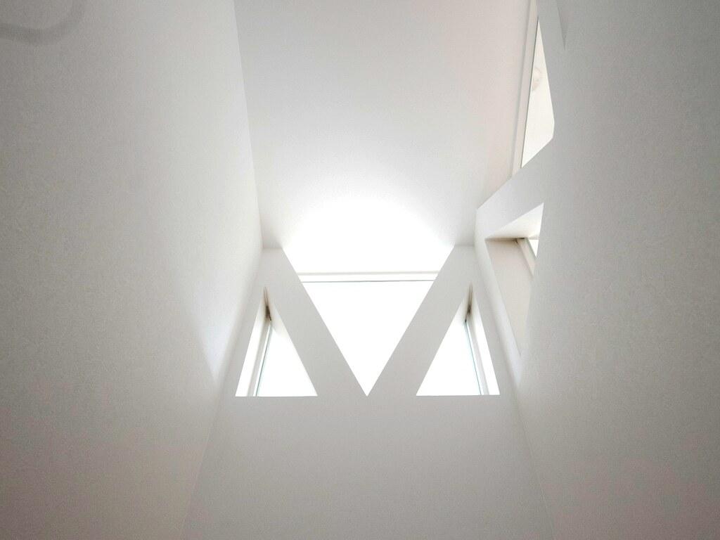 階段・上階からの光を取り込む