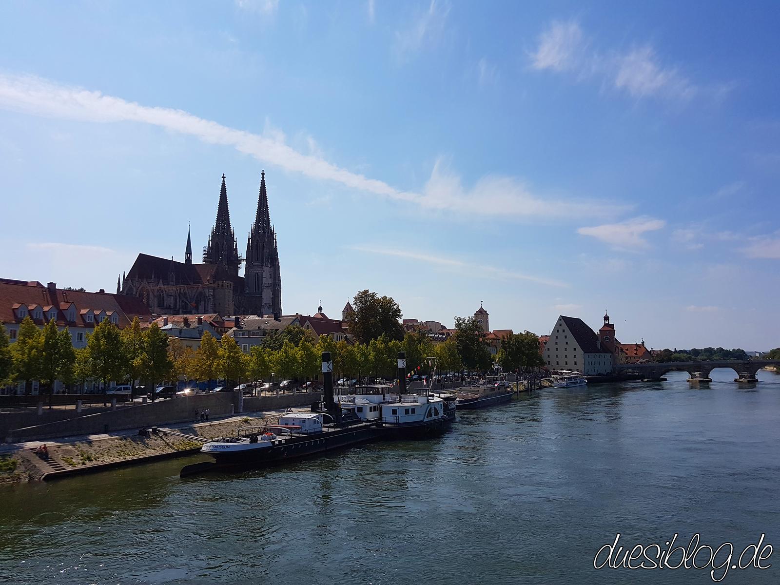 Regensburg Steinerne Brücke Donauufer Travelblog duesiblog 15