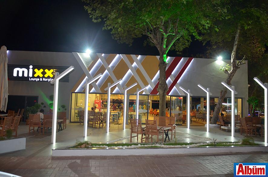 Mixx Lounge & Nargile Güller Pınarı Mahallesi üzerindeki yerinde hizmet vermeye başladı.