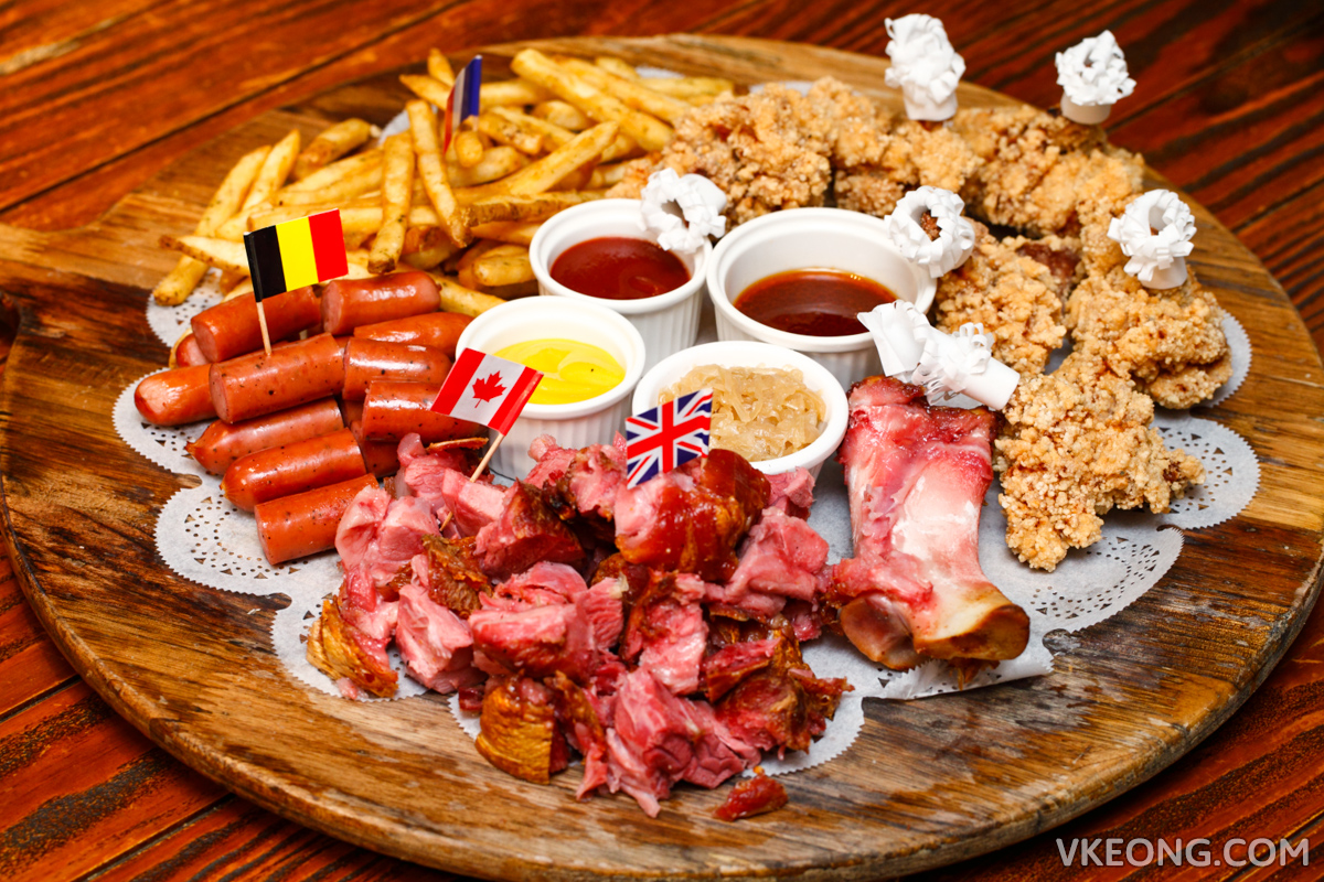 Le Ble d'Or Delux Assorted Platter