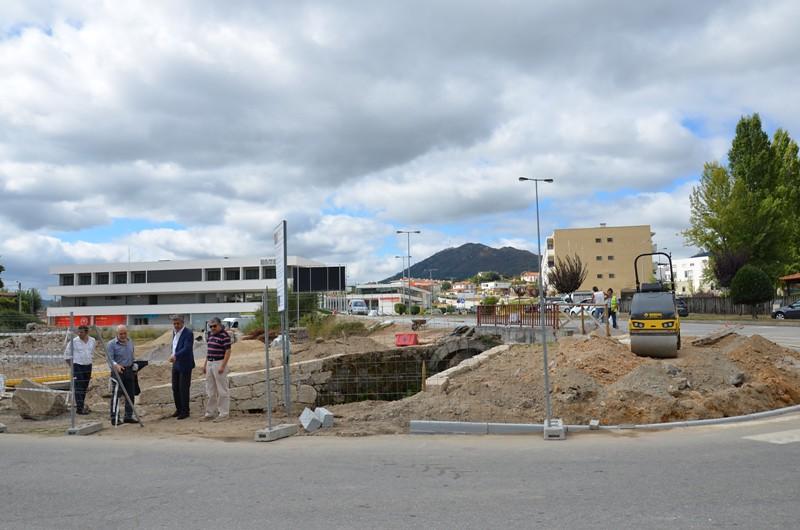 construção de passeios na Avenida Cardeal D. António Ribeiro (1)