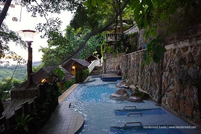 Luljetta's Hanging Gardens & Spa Hydro Pool