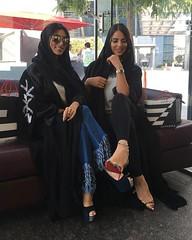 Repost @alno0ouf with @instatoolsapp ・・・ مآخفت من كف المفآرق يوم شرع يديه .. انآ اشرع ابواب المفآرق كلهآ للي يبي ☺️ . #subhanabayas #fashionblog #lifestyleblog #beautyblog #dubaiblogger #blogger #fashion #shoot #fashiondesigner #mydubai #dubaifashi