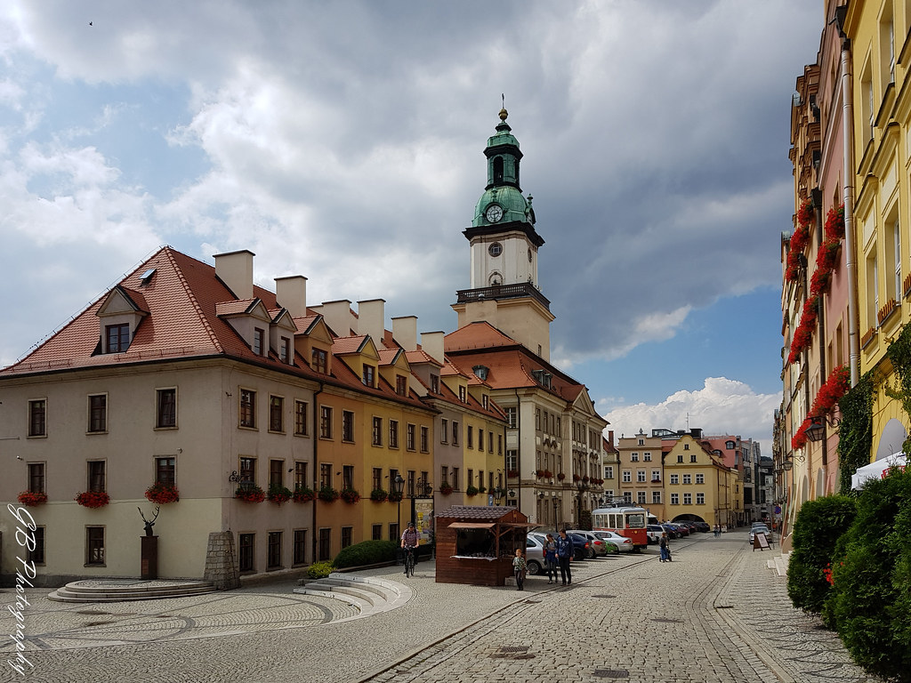 jelenia gora black personals The tour starts at 900 am and we offer a hotel pick up in wroclaw the first stop in siedlecin knights tower (the drive takes 145 hours) 1045 am - 1130 am - the visit of the knights tower (included in the price.