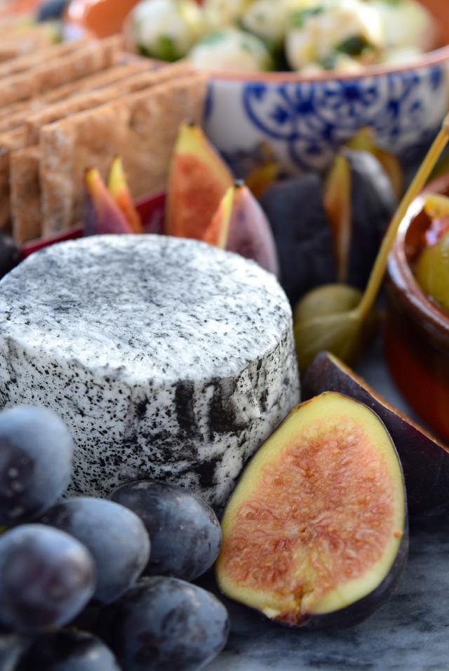 Soft Ash Goats Cheese, Grapes & Figs | www.rachelphipps.com @rachelphipps