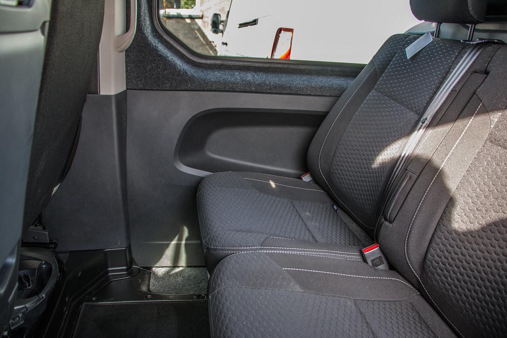 a34e7ec406 ... Vauxhall Vivaro Double Cab And Carpet-9