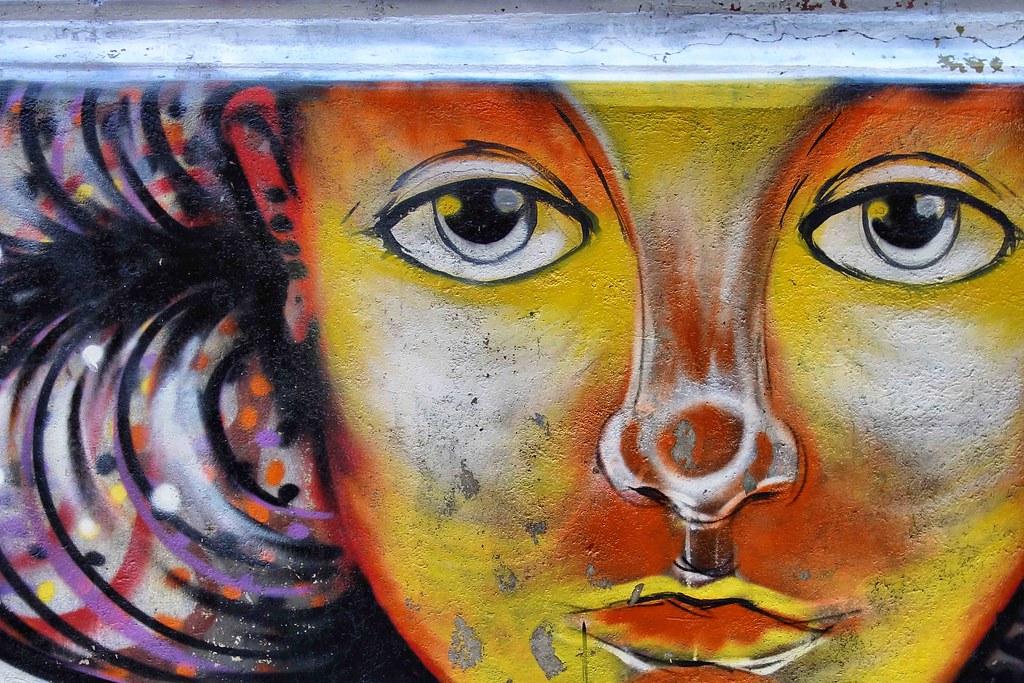Valparaiso - Street Art - Girl