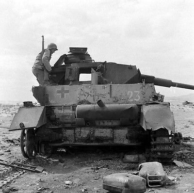 Knock-out Panzer IV lang in Tunesië